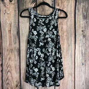 Old Navy Black and White Floral Tank Size Medium